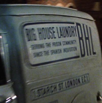 File:Bighouselaundry.jpg