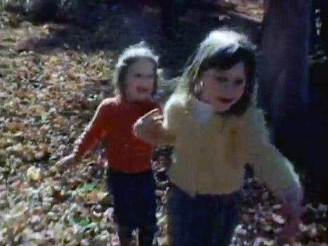 File:Lisa and Cheryl Henson in Run Run.jpg