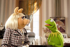 Themuppets2011still kerpiggy3