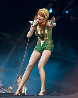 File:Florence and the machine 2 by puzzled2007.jpeg