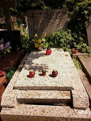 Plik:Stanisław Staszewski grób.JPG