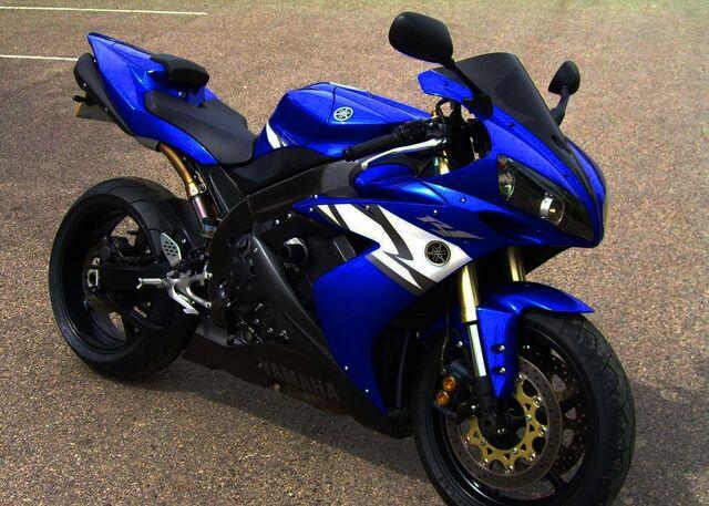 File:20070720-1184927407417-2004-Yamaha-YZF-R1.jpg
