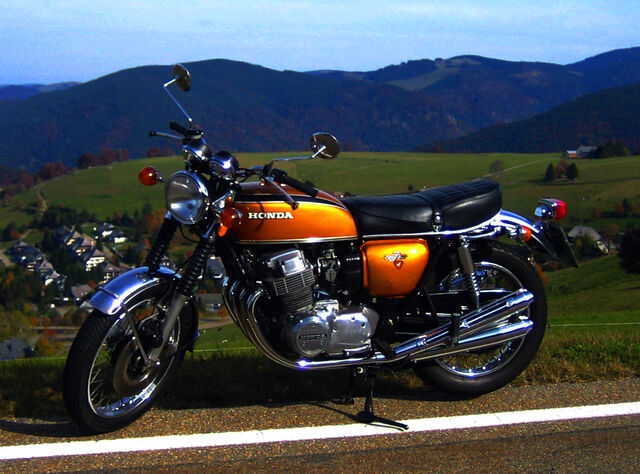 File:HONDA.CB750four-1975 02.jpg