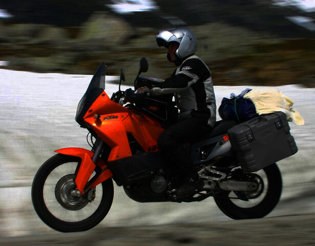 File:KTM 990 Adventure EFI 1024x768 c17.jpg