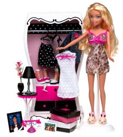 File:My Scene Getting Ready Barbie Doll.jpg