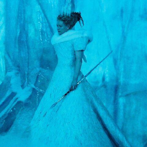 File:Jadis with her wand.jpg
