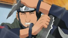 Asuma struggles during fight with Akatsuki