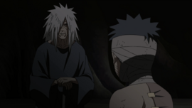 Madara saves Obito.png