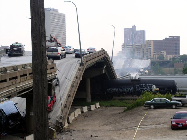 File:Bridge collapse.jpg