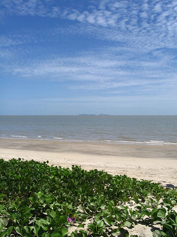 File:Lovia - Love island beach.jpg