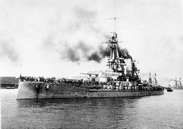 File:Bundesarchiv Bild 183-R17811, Linienschiff -Bayern-.jpg