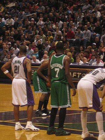 File:Milwaukee Bucks vs Boston Celtics - January 29th, 2006.jpg