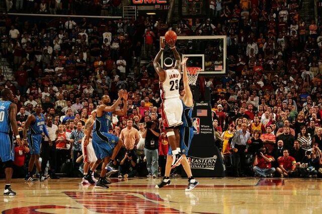 File:LeBron's 3-pointer - 2009.jpg