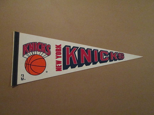 File:1980s New York Knicks Pennant.jpg