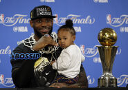 Ap-lebron-james-and-daughter-zhuri