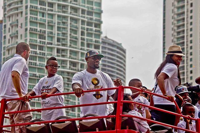 File:800px-Miami Heat Championship Parade 2012 3.jpg