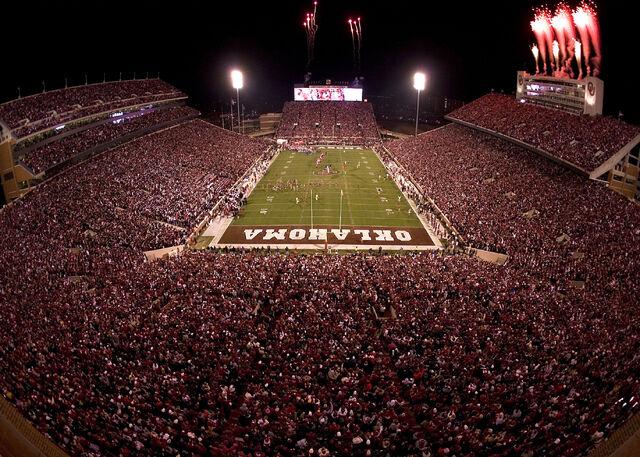 File:Oklahoma memorial stadium night.jpg