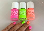 Models own polish for tans flip flop sun hat beach bag neon green pink orange review swatch swatches blog blogger flutter and sparkle 2
