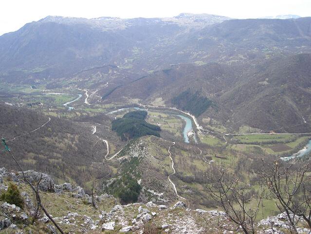 File:Kom - pogled s Koma na Zupu prema Glavaticevu (kom2).jpg