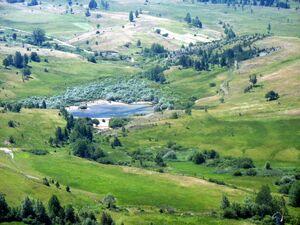Jezero i brana u Preocu pod Šatorom nad izvorištem Unca 30651806