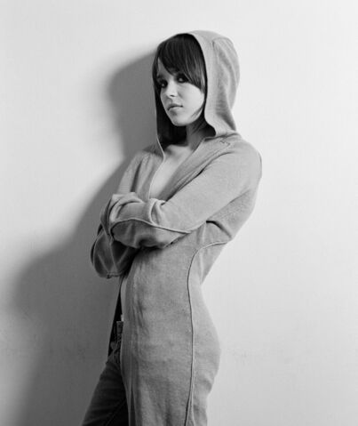 File:Ellen-Page-HQ-actresses-7955439-1200-1427.jpg