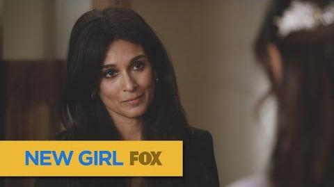 """NEW GIRL Delighted from """"Landing Gear"""" FOX BROADCASTING"""