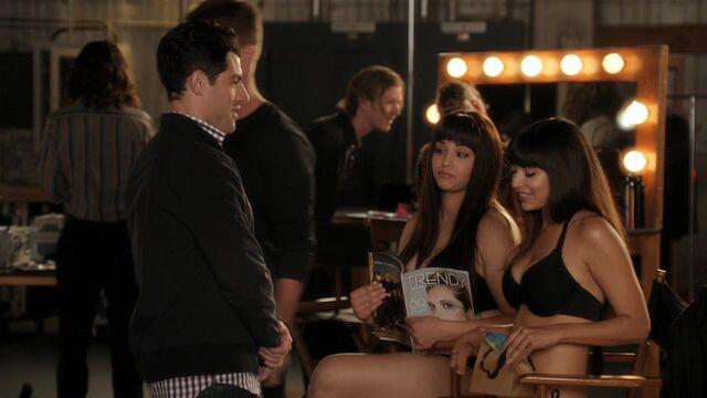 File:New Girl 1x09 (428).jpg