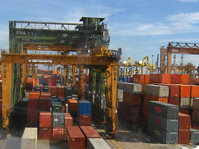 File:Marbella port.jpg