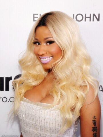 File:NickiMinajattheoscarawards2013.jpg