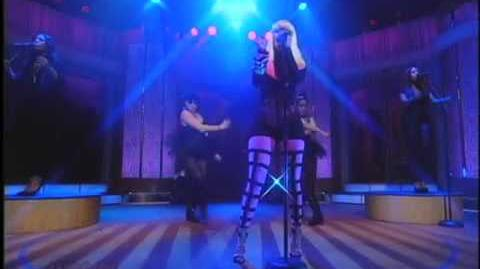 "Nicki Minaj Performs ""Right Thru Me"" on The Wendy Williams Show"