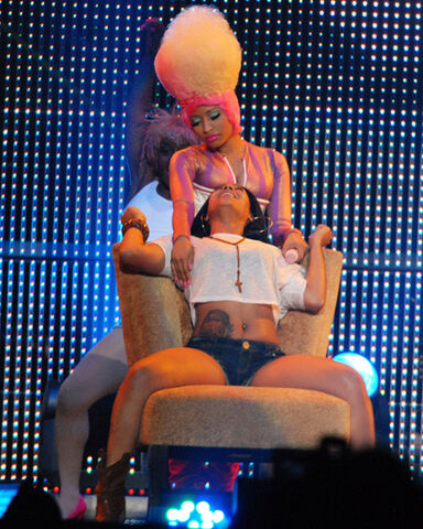File:Lap Dance Nika with girl.jpg