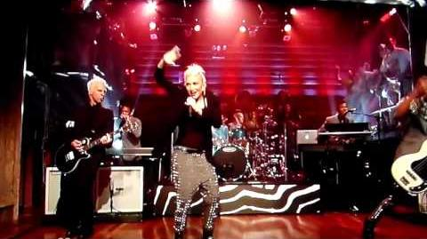 No Doubt performs Settle Down live on Late Night With Jimmy Fallon 2012-0