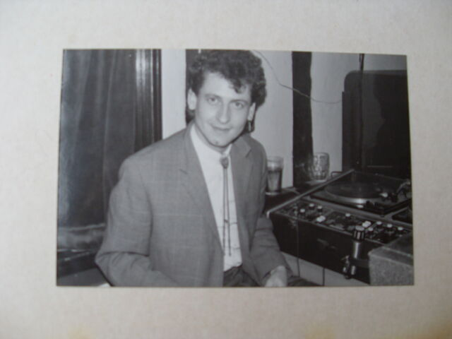 File:Jon dj'ing upstairs at the jacquard.JPG