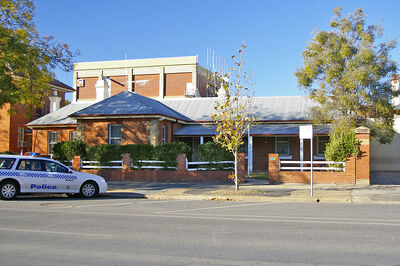 800px-Old Wagga Police Station