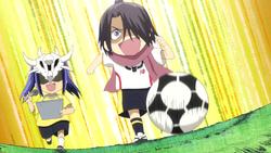 Gozumaru runs straight towards the Goal