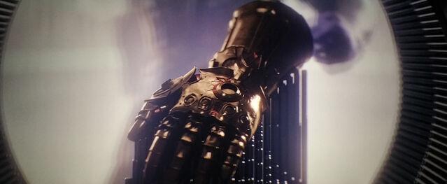 File:Infinity-Gauntlet-Age-of-Ultron.jpg