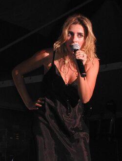 Julie-Zenatti-Réunion-1