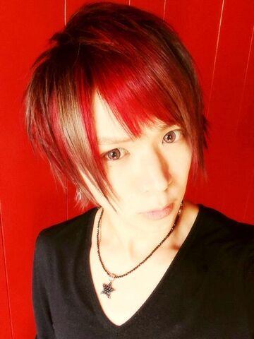 File:Ryo red hair.jpg