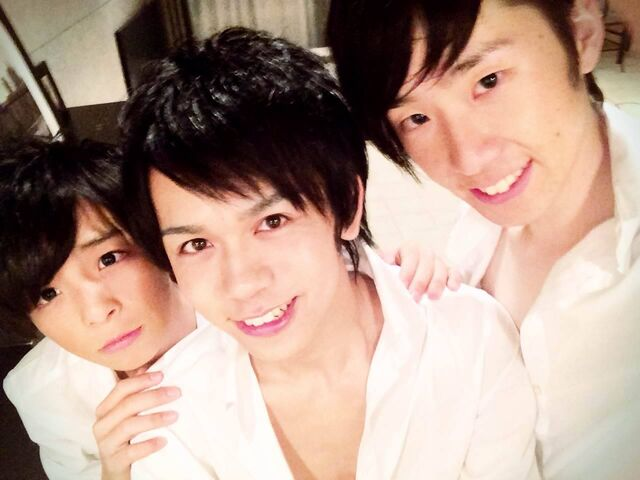File:Aoi prince shirofuku selca.jpg