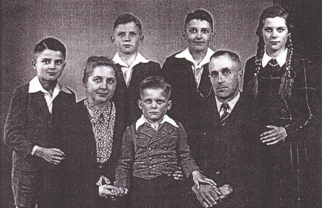 Datei:1948 Familie Kothe.jpg