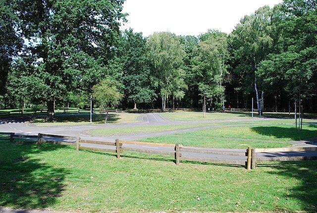 Datei:Leonhard-Eißnert-Park 3.jpg