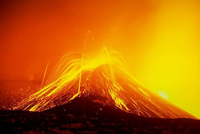 File:Mt Etna.jpg