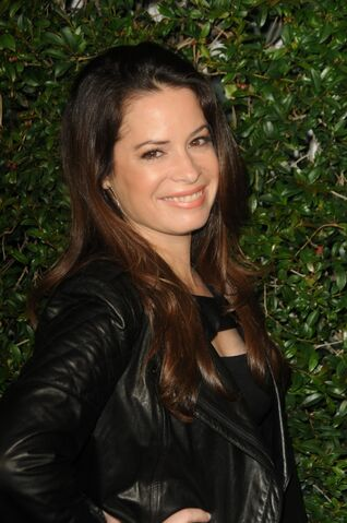 File:600full-holly-marie-combs.jpg