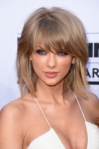File:Taylor-swift-billboard-music-awards-2015.jpg
