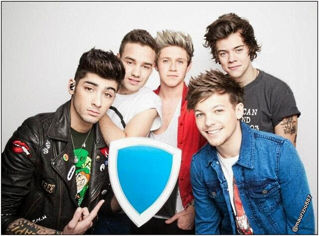 File:One-direction-photoshoot-2013-one-direction-33859213-1616-1196.jpg
