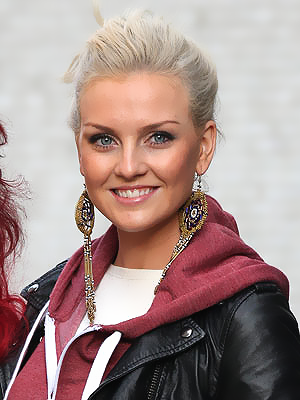 File:Perrie-Edwards-5.png