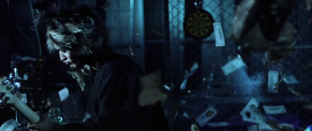 File:Cry outMusic Video screenshot 15.png