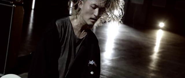File:Mighty Long FallMusic Video screenshot 123.png