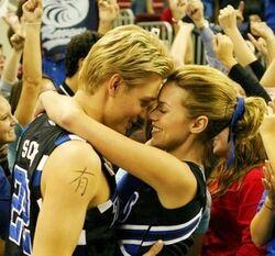 Season 4 Lucas and Peyton 6