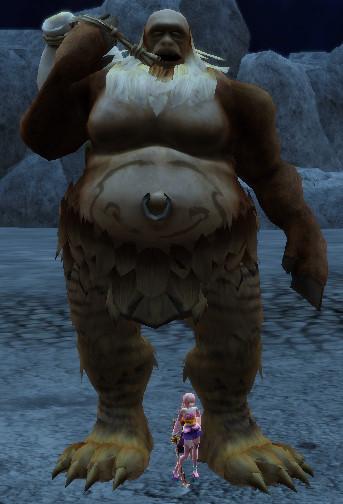 Huge Nue